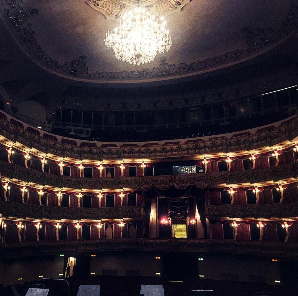 on-stage-verona-theatre.jpg
