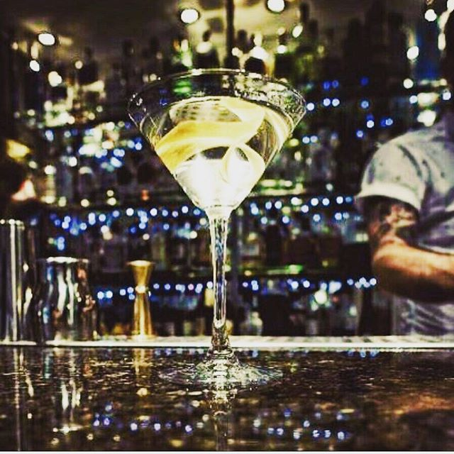 This Thursday @londoncityair Jet Centre, we will be serving martinis featuring the 2017 World's Best Martini winner @daffysgin for guests of our good friends @saxonair_ while they run their new jet demo day. #ginfluencers