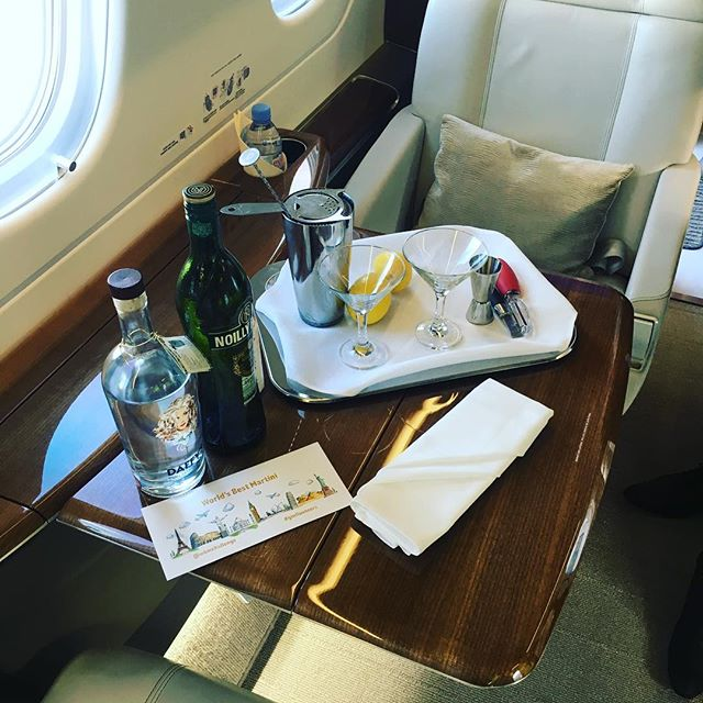 Our very first serve on board World's Best Martini event with @saxonair_ @londoncityair and @daffysgin #ginfluencers  #privatejet #luxury #gin