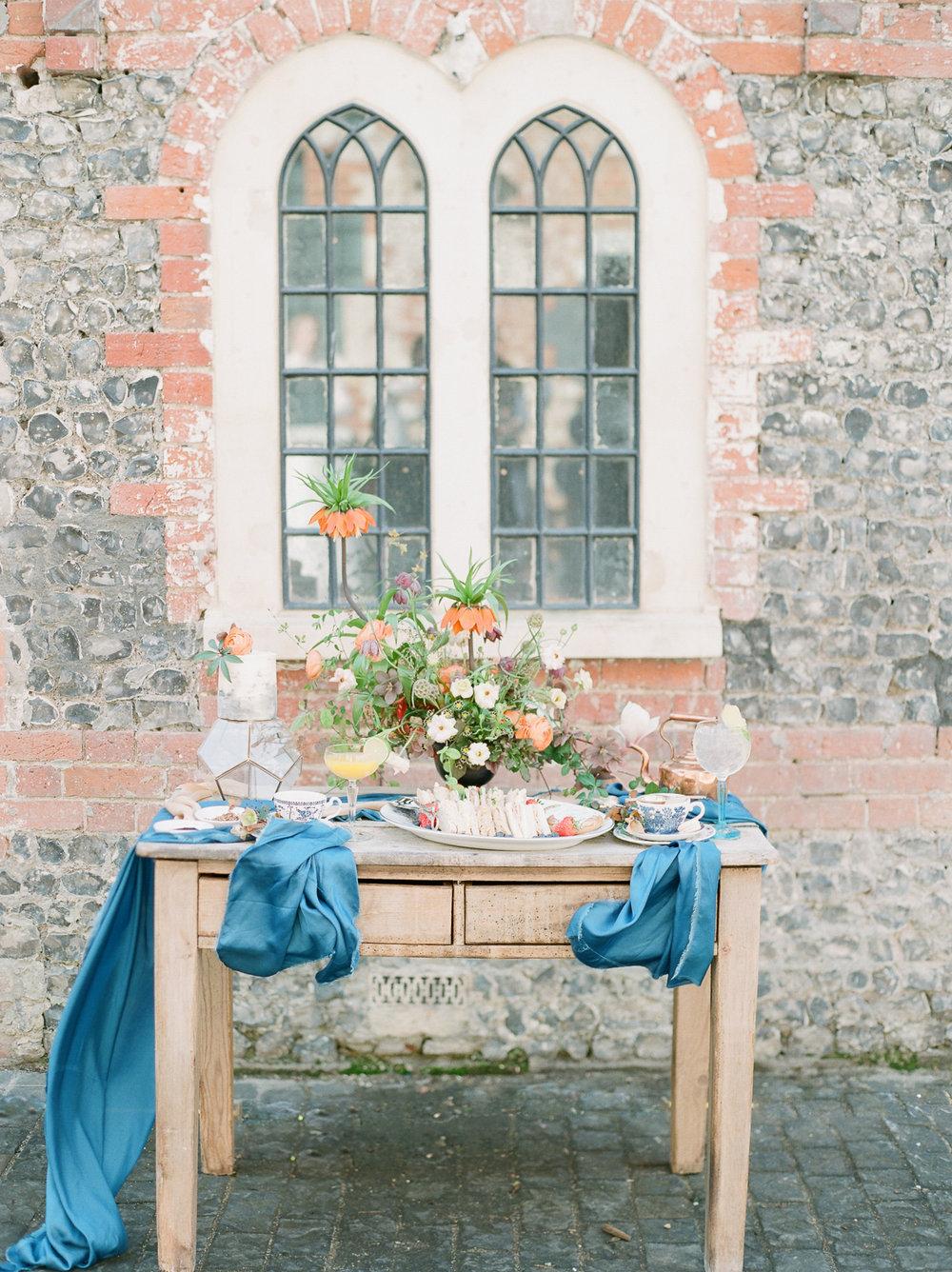 Image - Julie Michaelsen Photography | Florals - Moss & Stone Floral Design