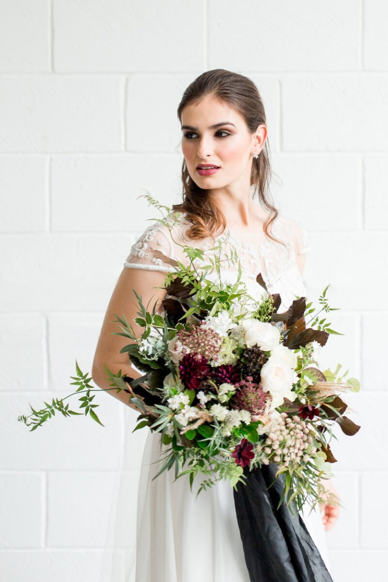 Luxe-Black-Greenery-Wedding-Inspiration-bride-bouquet.jpg