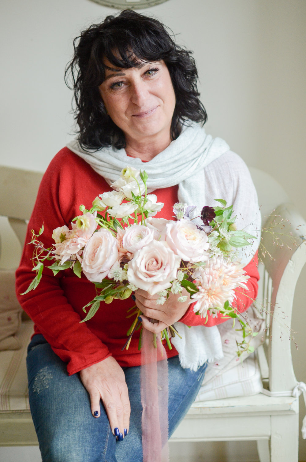 Florals - Donatella at a Moss & Stone 1:2 Class | Image - Brigitte Girling