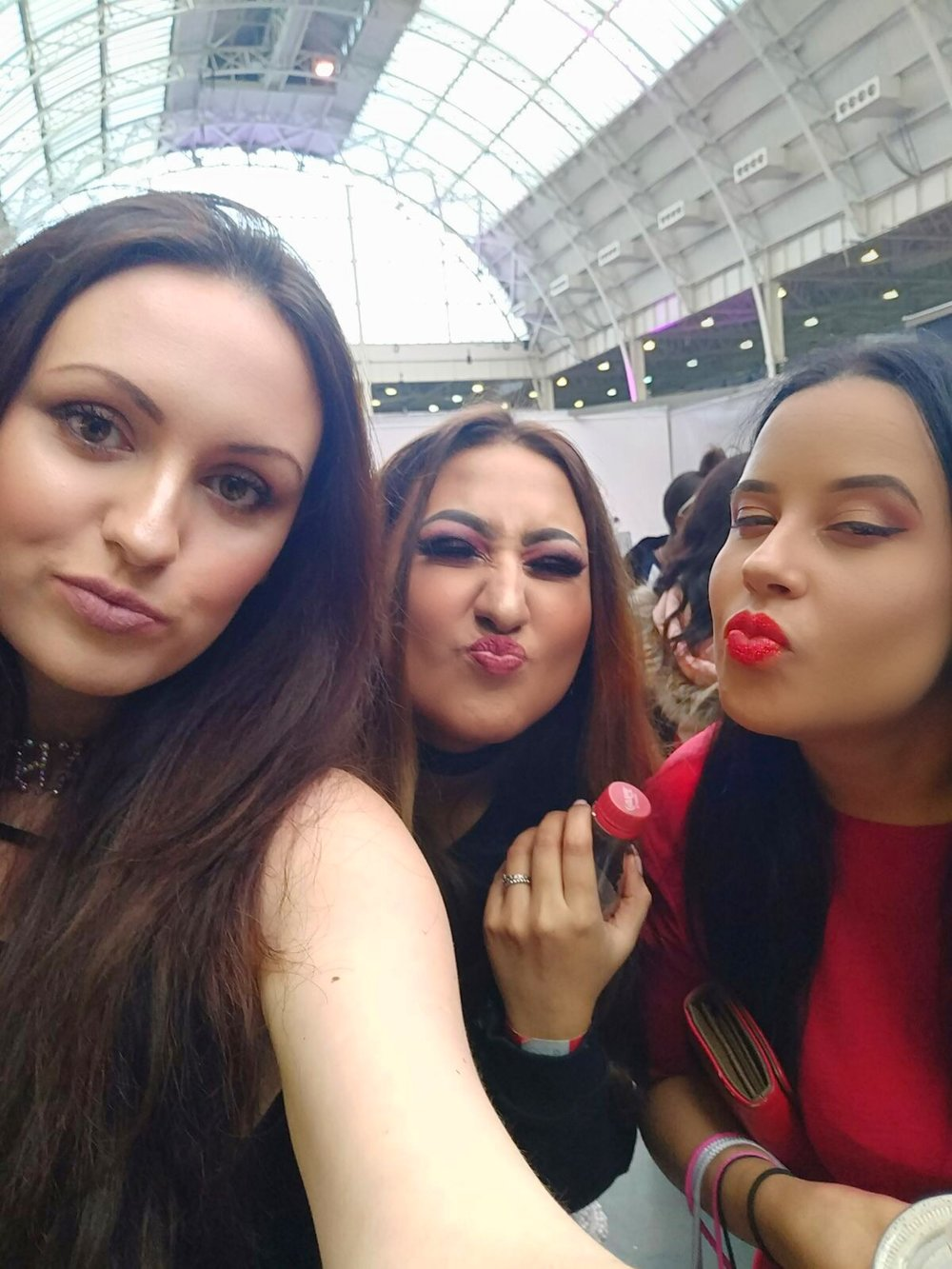 Poutlicious vibes by from Ness, Naila and I. Any excuse for a SELFIE, eh!