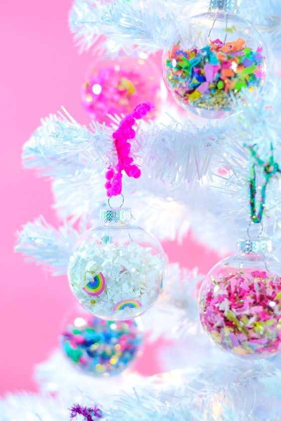 These bad boys were handmade and Jessica shows you how you can make some of your own over on the  Confetti Land blog .