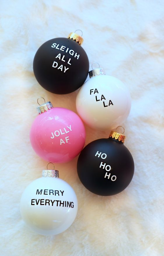 Laurel's  Christmas Sayings baubles  only take a few minutes to create.