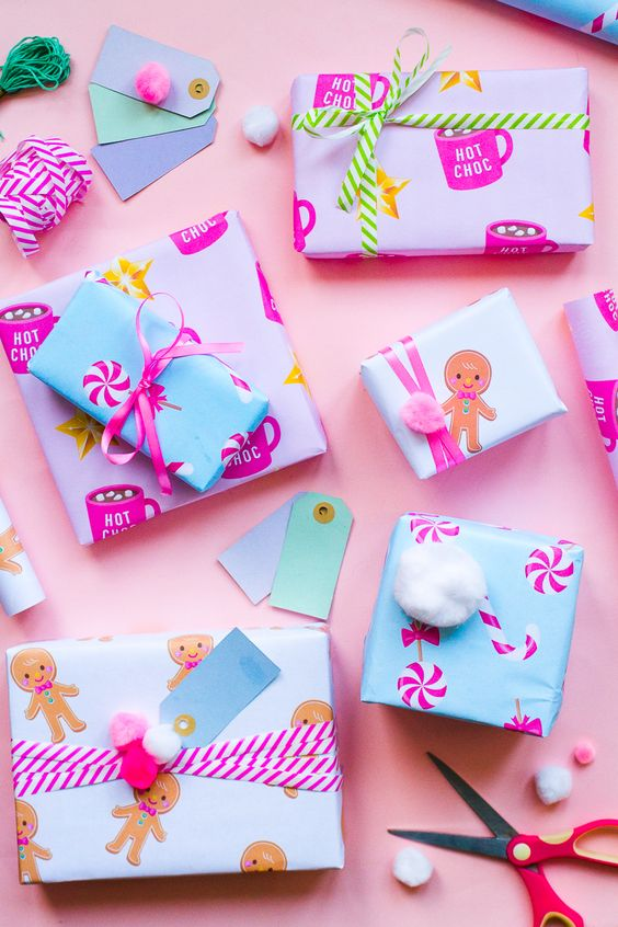 The cutest  Christmas gift wrap  which you can print from the Bespoke Bride website.
