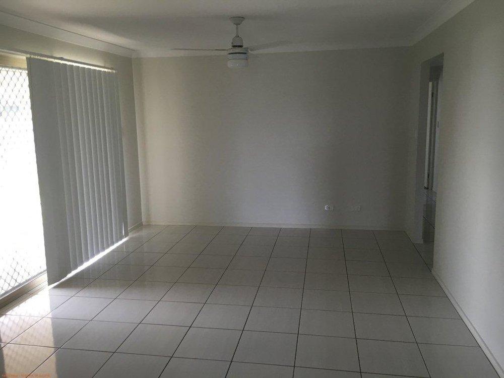 3-family room.jpg