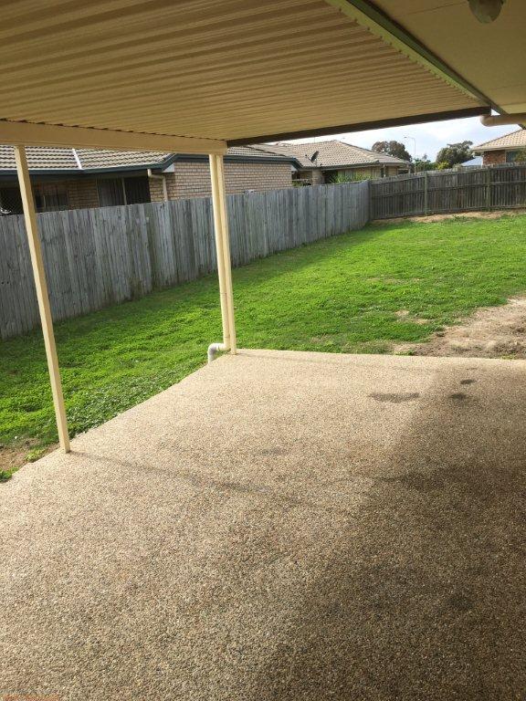 11-backyard.jpg