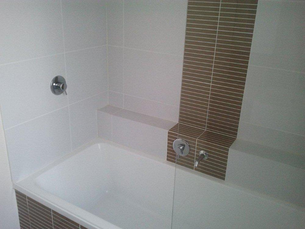 9 bath.jpg