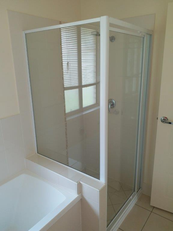 7. Bathroom 3.jpg