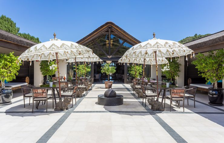 csm_Wellness_hotel_Shanti_Som_patio_b206d9a483.jpg