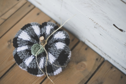 Free Crochet Pattern For The Cutest Plaid Pumpkin