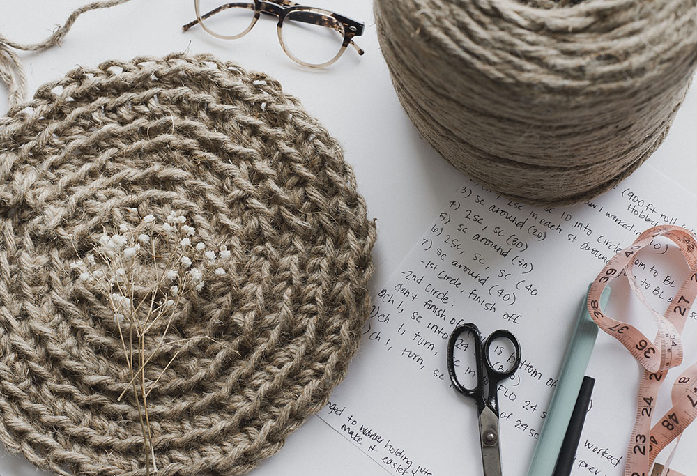 Free Crochet Pattern For The Cute Jute Circle Purse Megmade With Love