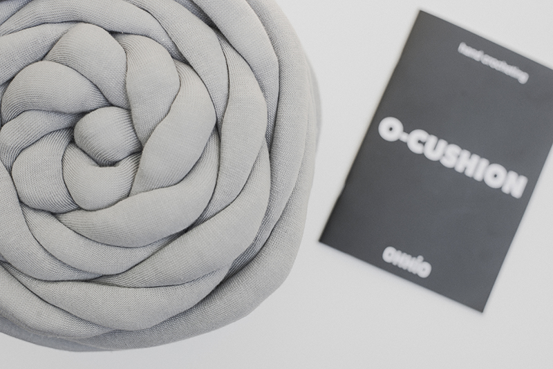 Ohhio O cushion - Megmade with Love