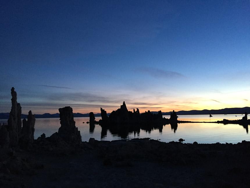 Sun rises over the tufa at Mono Lake