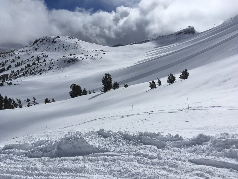 Mammoth boasts lots of powder days