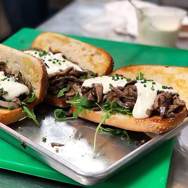 Mushroom Cheesesteaks! 🤙#ginandpop #ginandpopphilly #cheersdaddyo