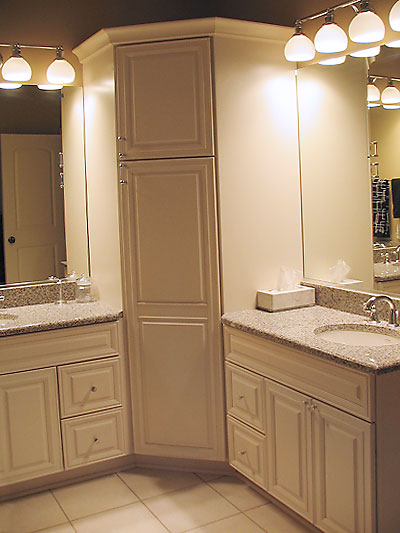 GLEN OAKS BATHROOM DESIGN