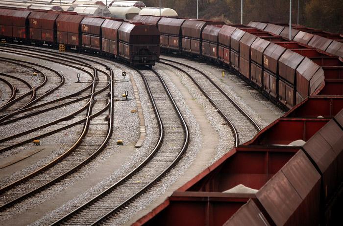 jh0222_train.jpg