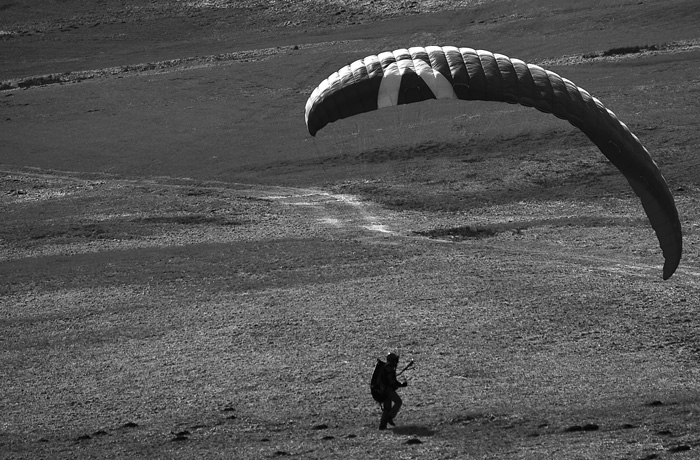 jh0246_paraglider.jpg