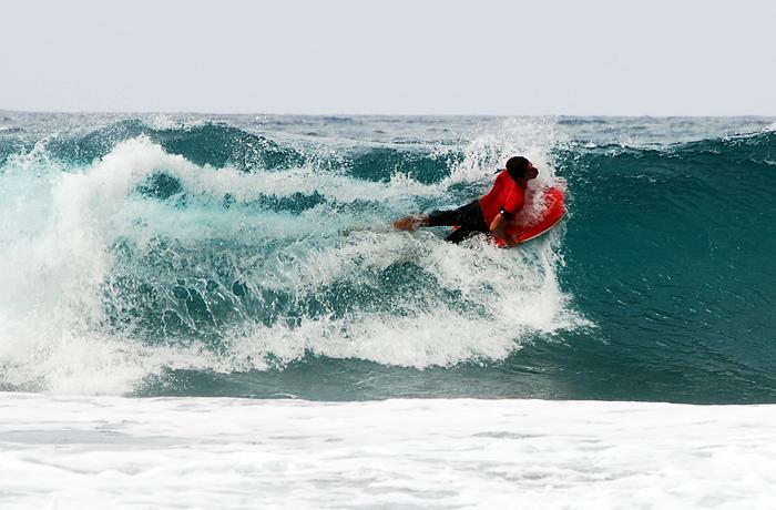 jh0327_surfing.jpg