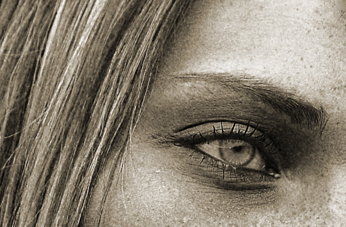 jh0352_eye.jpg