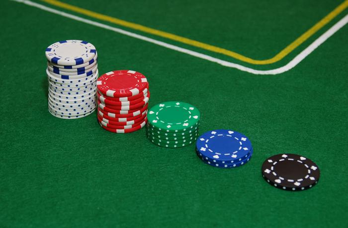 jh0373_poker.jpg