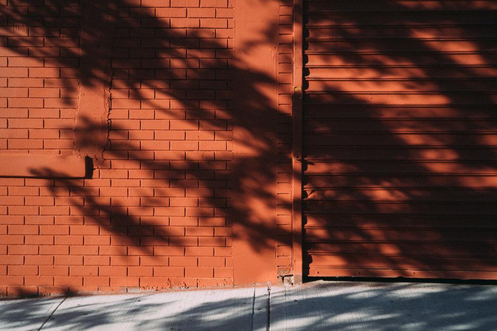 EH2047_Bricks-and-Gate.jpg