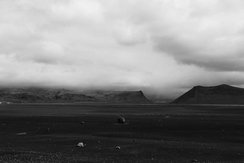 EH2072_Black-Desert.JPG