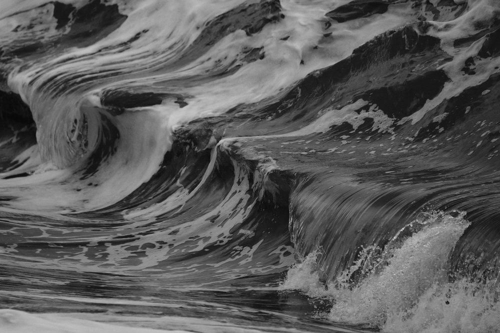 EH2081_Black-Waves.JPG