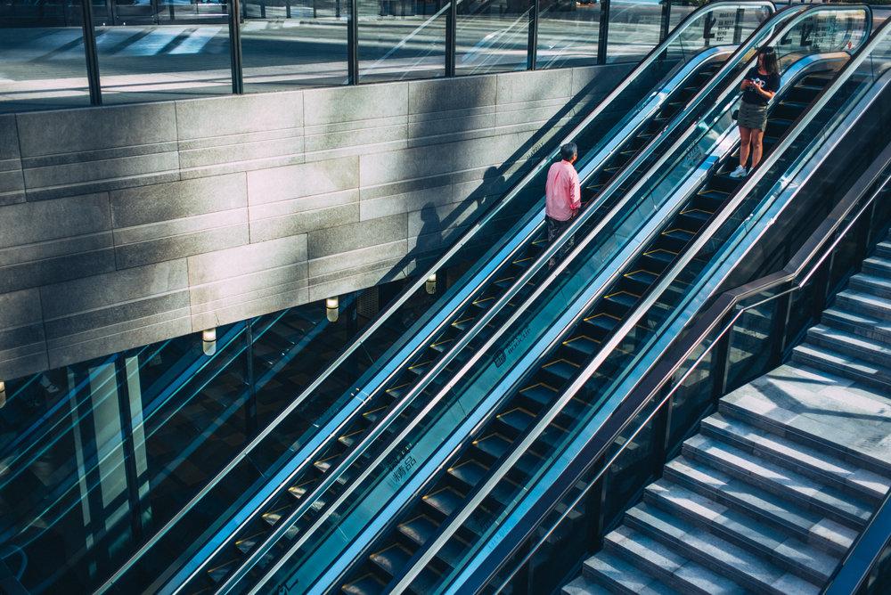 JH2587_stairs-escalator.jpg