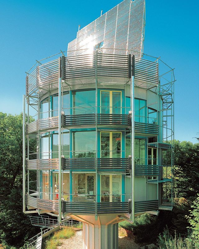 Inspired by Heliotropic plants that rotates according to the course of the sun, architect Rolf Disch designed the 'Heliotrope' in 1994. The building produces five times more energy than it consumes with its photovoltaic system, completely emission-free and CO2 neutral.