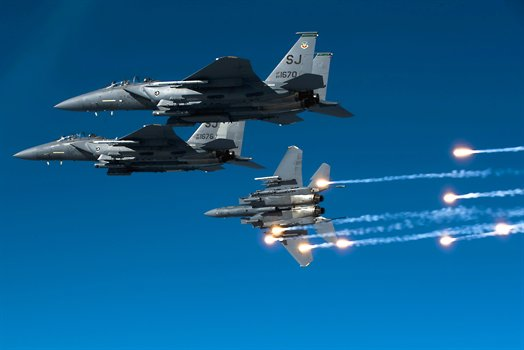 Air Force F-15E Strike Eagle training over North Carolina, Dec. 17, 2010 335th Fighter Squadron.jpg