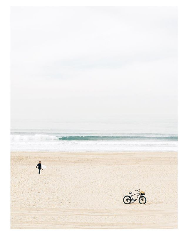 bike + surf + bike . . . . . #manhattanbeach #southbay #southbayphotos #LAstory #california #losangeles #insta_losangeles #losangeles_gram #abc7eyewitness #wheream_i_la #optoutside #beachminimalism #surf #surfstyle #rei1440project #beach #ocean #bicycling #createcommune #nakedplanet #earthpix #ourplanetdaily #wonderfulplaces #lifeofadventure #earthpics #earthfocus #discoverglobe #visualsoflife #roamtheplanet #explorewildly