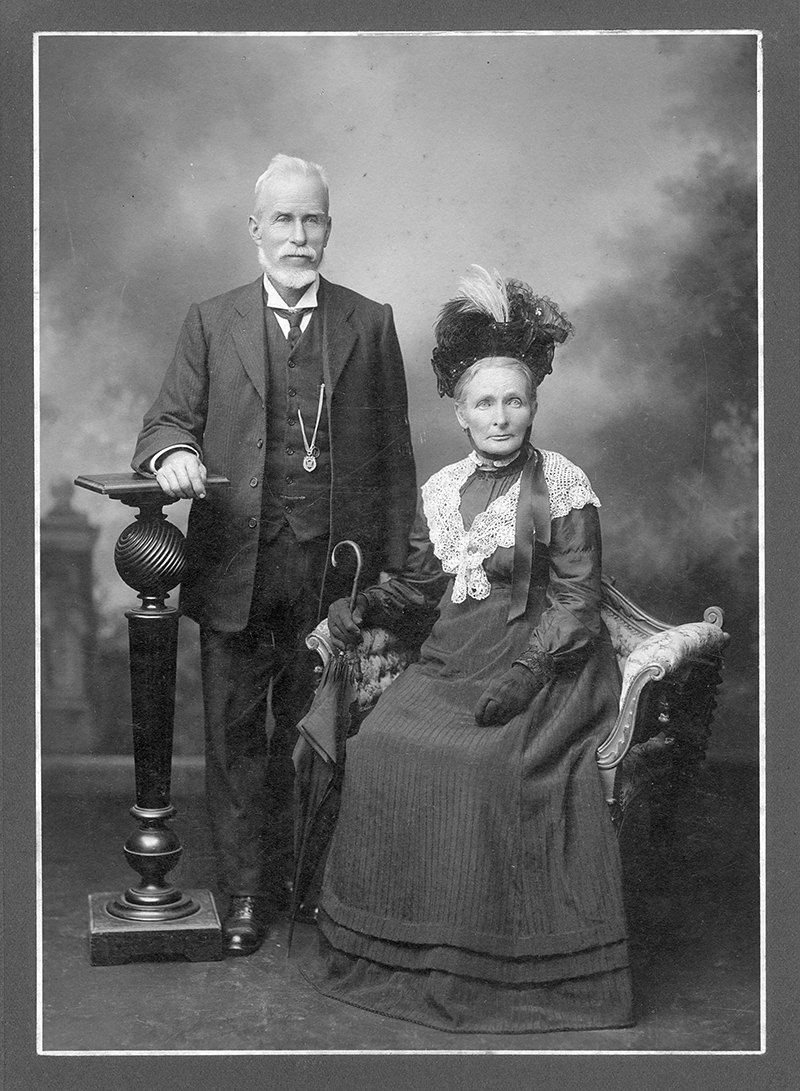 William Francis and Ellen Lyon (nee Sutton), Ipswich, ca. 1910. Image No. 15460, courtesy of the  Picture Ipswich, Ipswich City Council