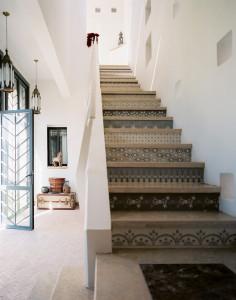 Staircase+Stenciled+stair+risers+47ei1CkcClMx