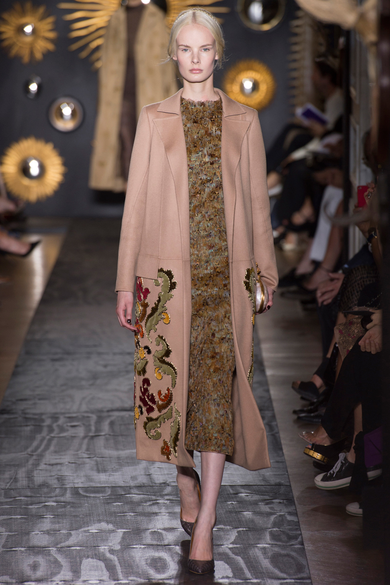 valentino-fall-2013-couture-23_160216976244