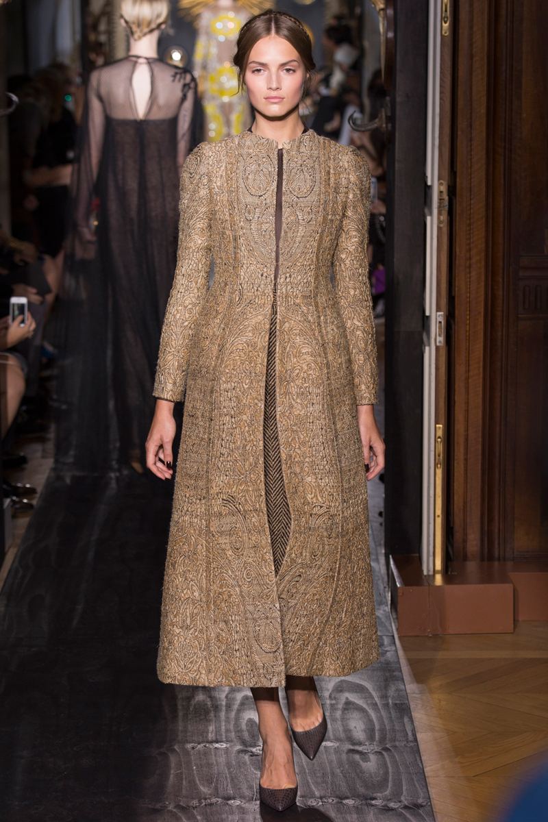 valentino-fall-2013-couture-44_160234851545