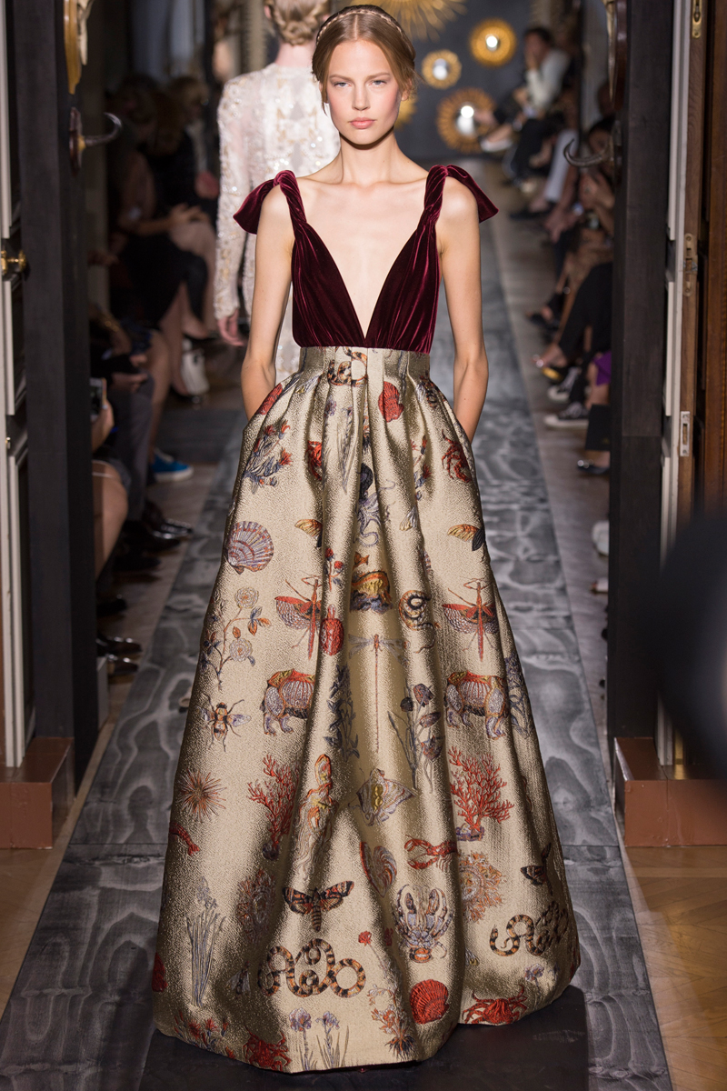 valentino-fall-2013-couture-56_160244175546