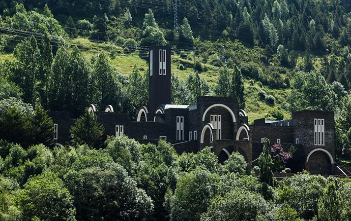 openhouse-magazine-barcelona-shop-gallery-art-design-mountain-rescue-architecture-ricardo-bofill-meritxell-sanctuary-andorra3