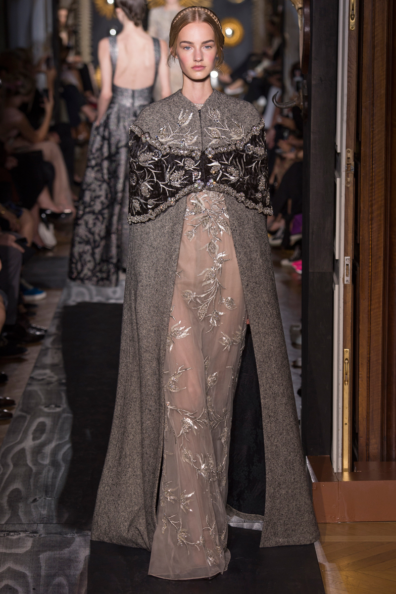 valentino-fall-2013-couture-39_160230580879