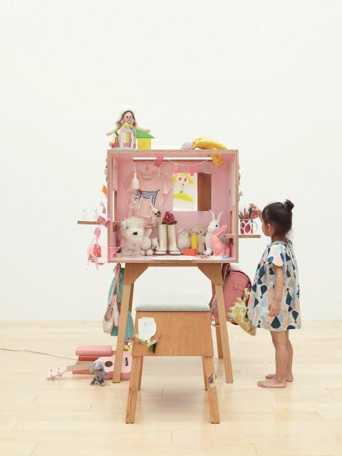 koloro-desk_pink_3-480x640