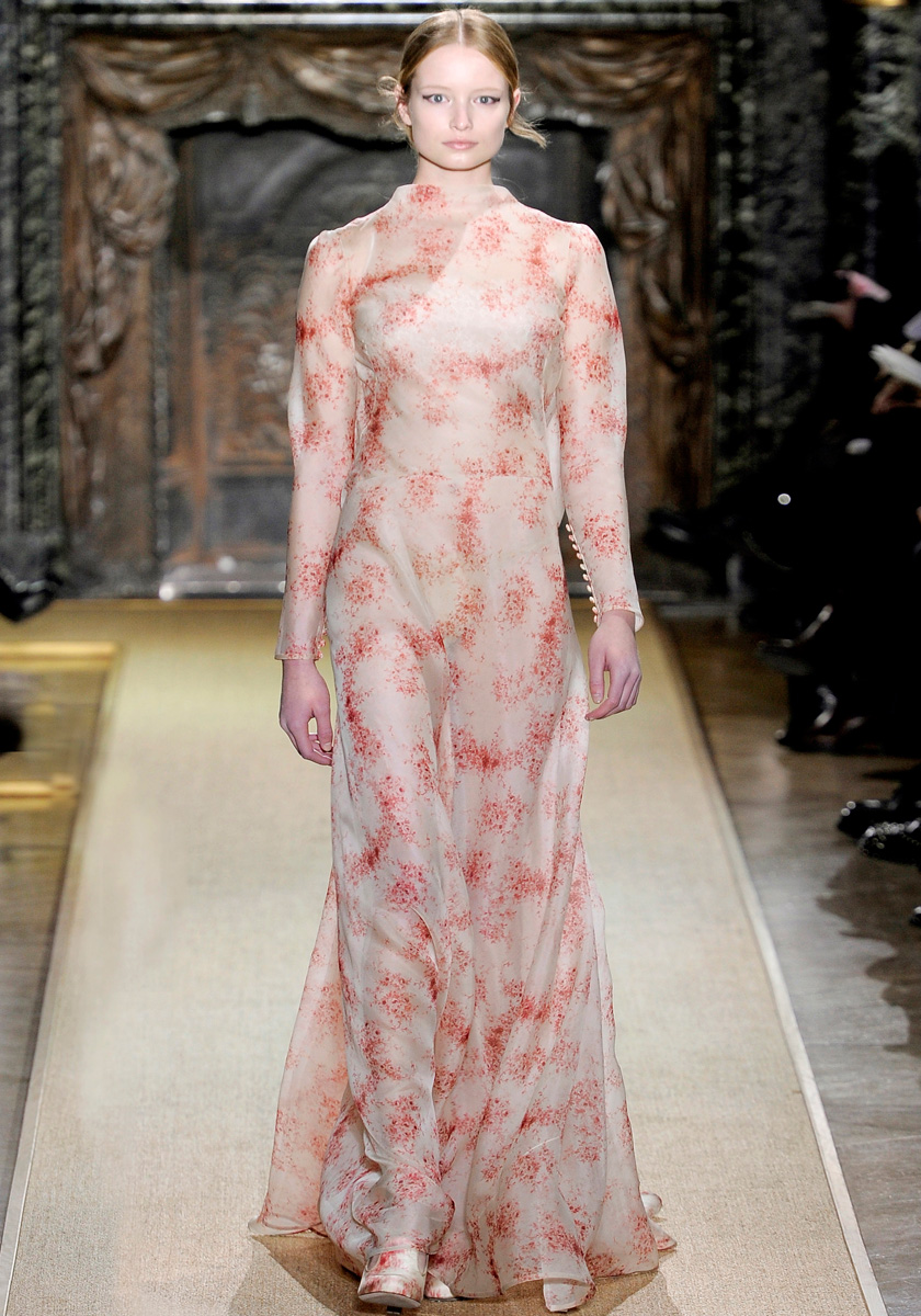valentino-spring-2012-couture-002_171427585554