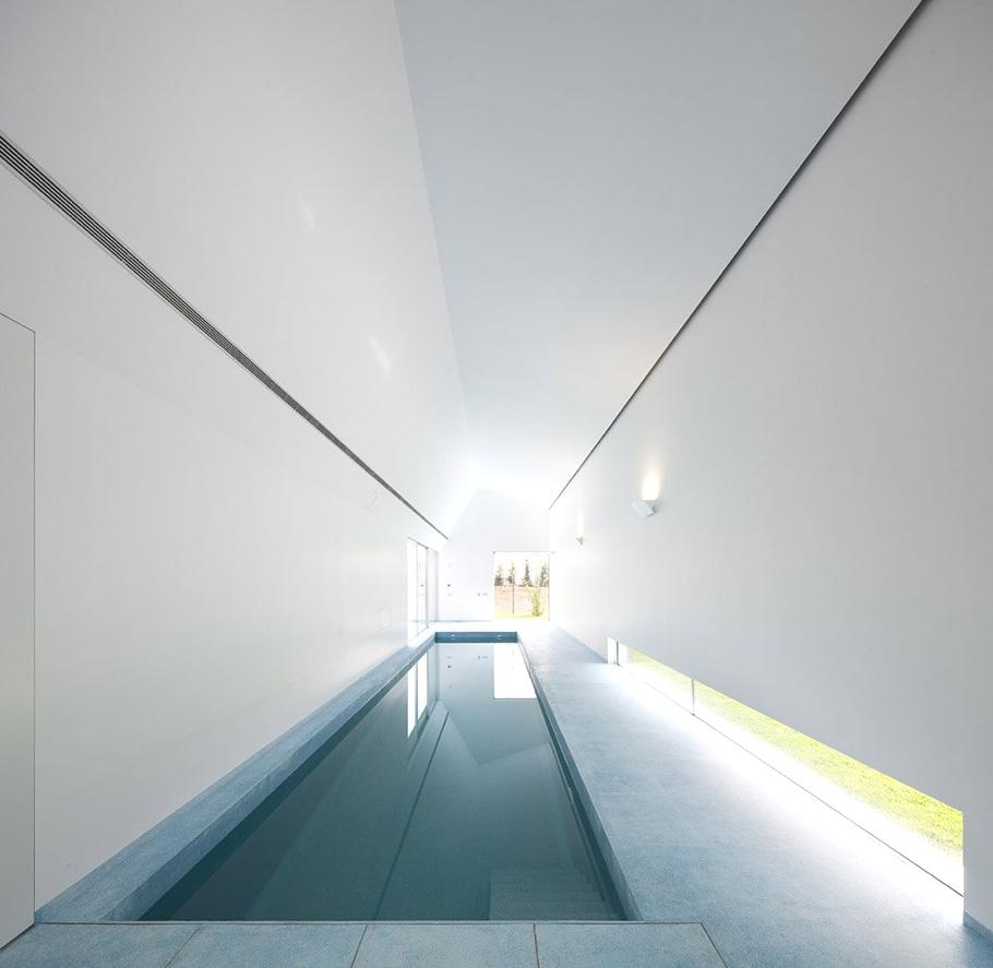 Contemporary-Property-Ovar-Portugal-04
