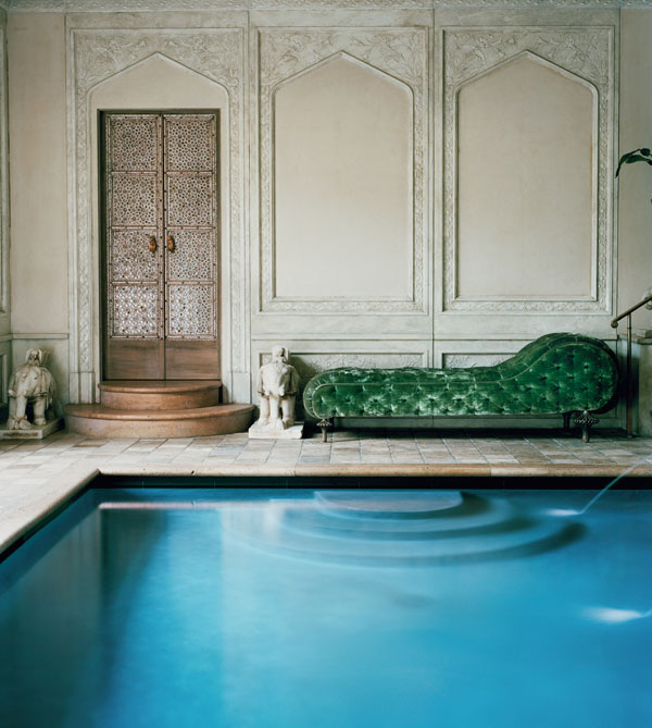 hbz-1012-ann-getty-indian-doors-poolside-Hz7ZSU-xln