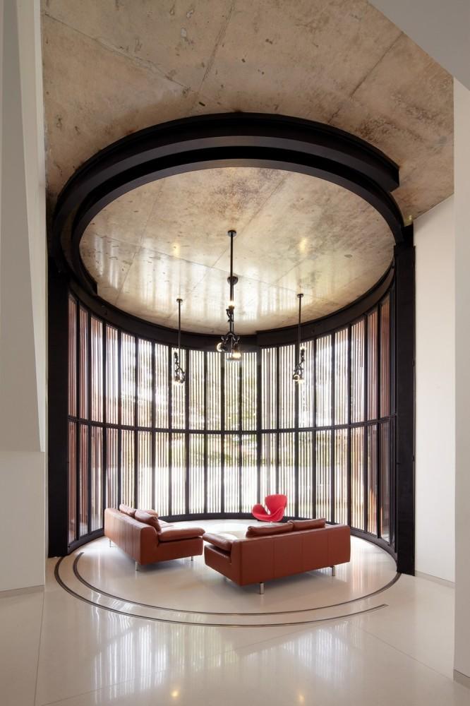52275769e8e44ecdaa00001c_voila-house-fabian-tan-architect_06-666x1000