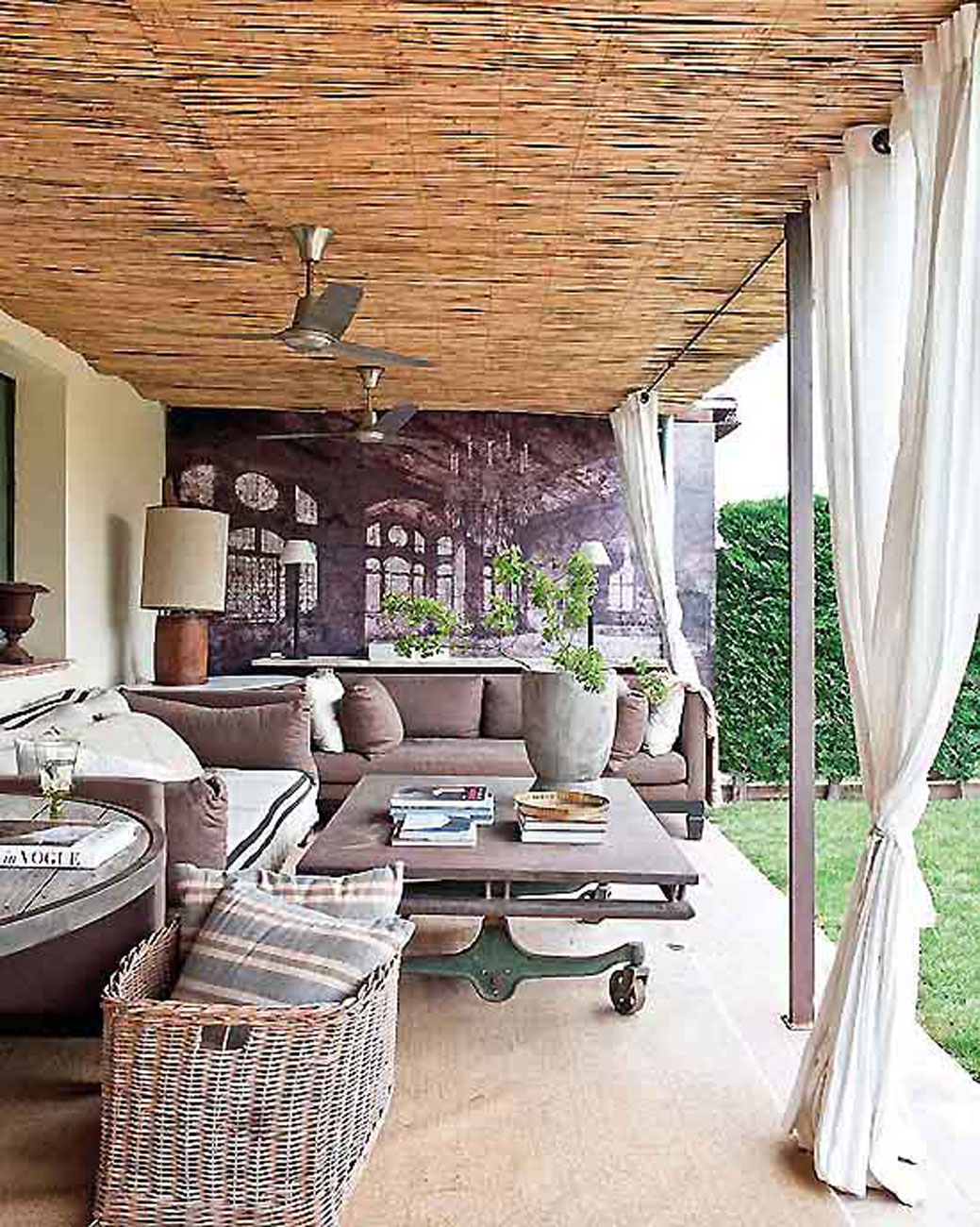 Rustic-Interior-Ideas-from-A-Farmhouse-in-Spain-Terrace