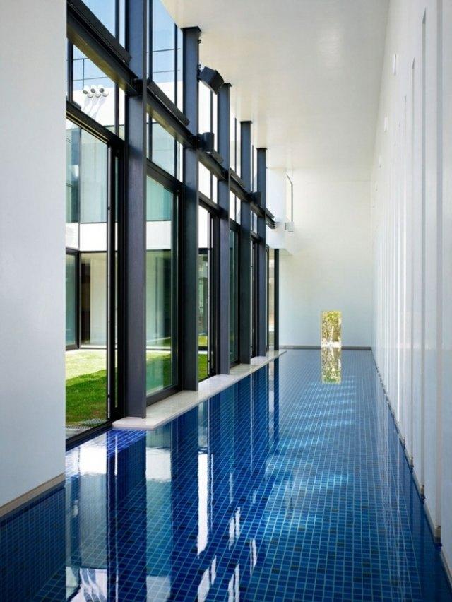 piscine-design-idée-revêtement-carrelage