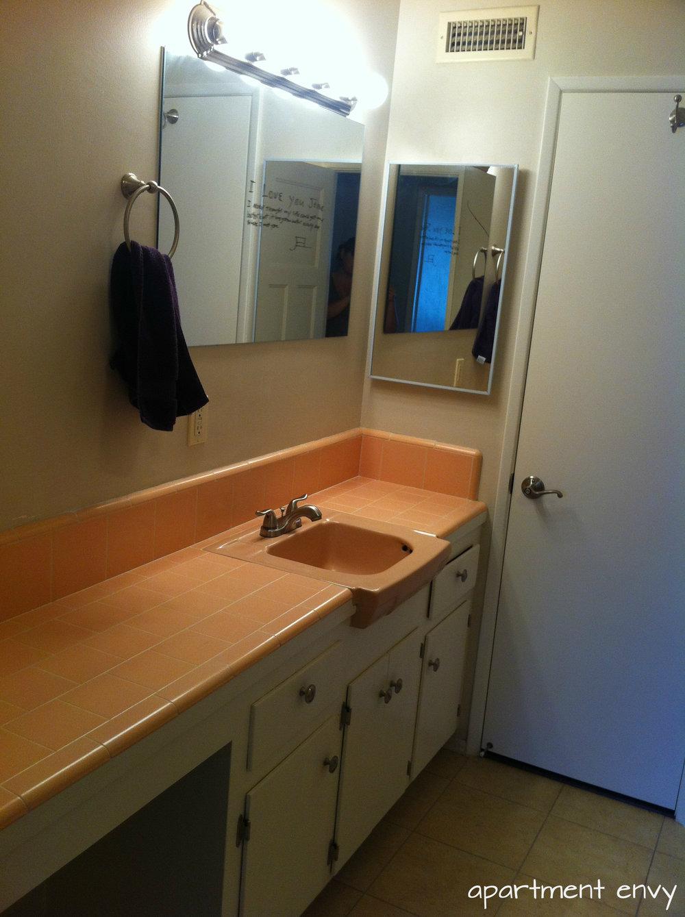 jessies-pink-bathroom-1.jpg