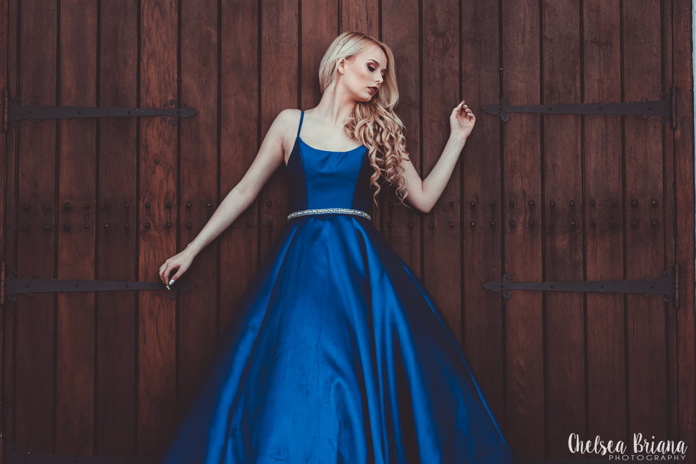 model-blue-gown-church-doors